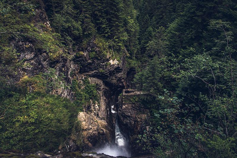 Водопад в Пиринеях