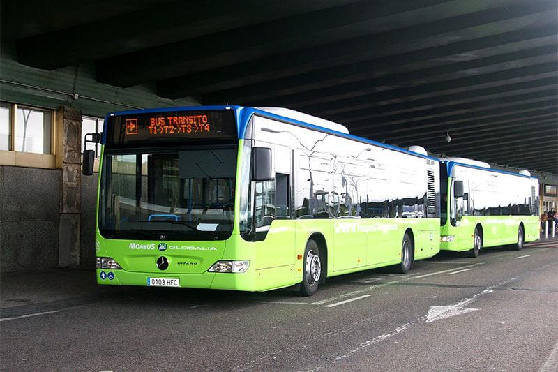 Автобус в аэропорту Мадрида